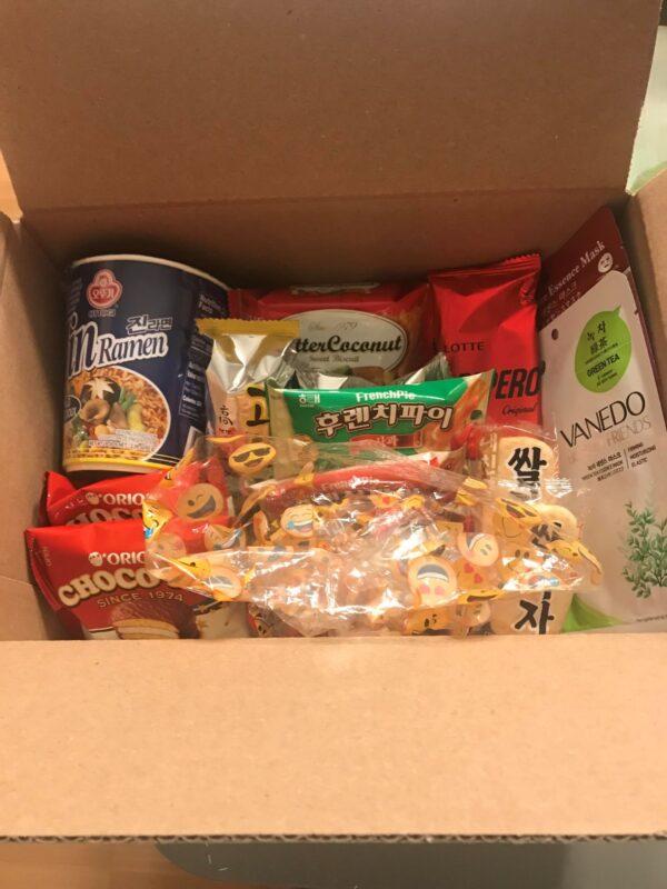 OMG My Seoul Gold Level Korean Snack and Gift Box 1